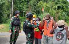 Satgas TNI bagikan masker cegah COVID-19 di perbatasan RI-PNG